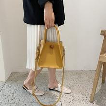luxury handbags A new 2019 French simple womens bag vintage hand crossbody gentle wind fashion triangle