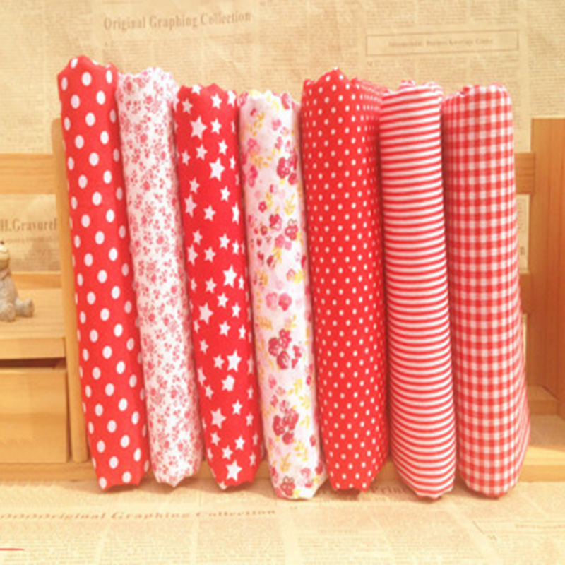 NEW 7pcs BUNDLE red COTTON FABRIC//MATERIAL FLORAL DOTS STARS Joblot Mixed Crafts
