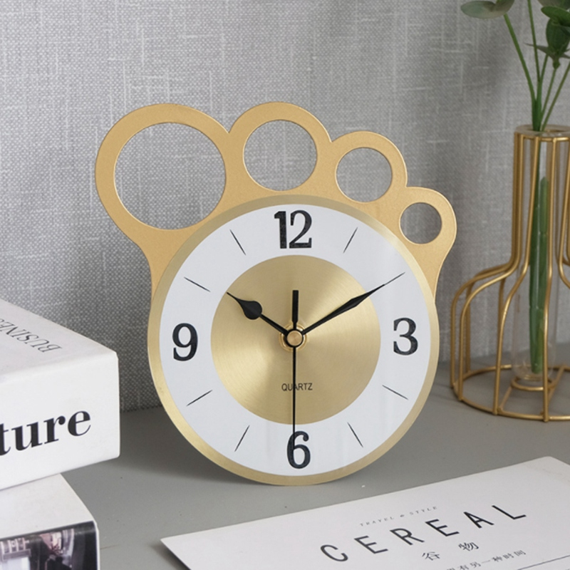 Nordic Simple Wrought Iron Desk Clock Home Bedroom Golden Personality Finger Silent Desk Clock
