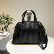 Çanta yüksek kapasiteli manuel dokuma çanta kadın kafa katman koyun derisi çanta basit omuz çantası iç ve dış dermis