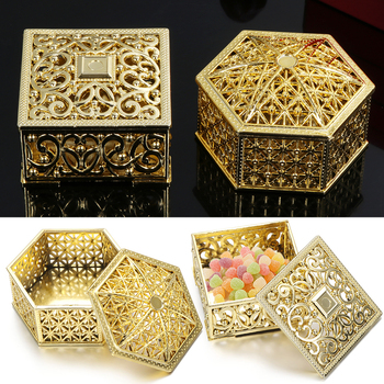 1PC 6-7cm Mini Plastic Hollow Gold Foil Cake Candy Box Wedding Favor Marriage Baby Shower Gift Treat Box Party Event Supply
