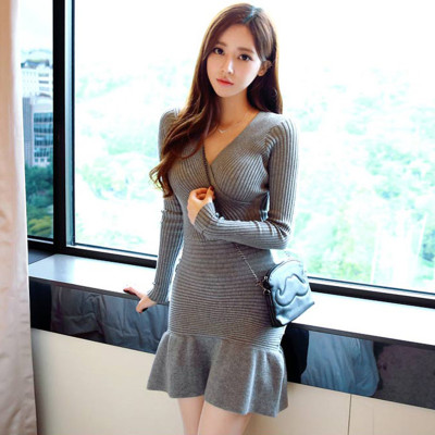 Lcybhe New Korean Version Of Women's Wear V-neck Slim Long-sleeved Dress Knitted Buttock Pleated Skirt Sweater Skirt 48L
