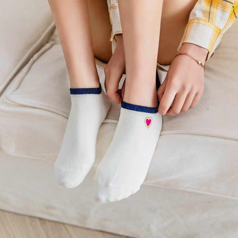 新しい夏のキラキラステッチ刺繍愛のハートソックス女性のファッションシルバーゴールドシルクカラフルなソフト綿の靴下