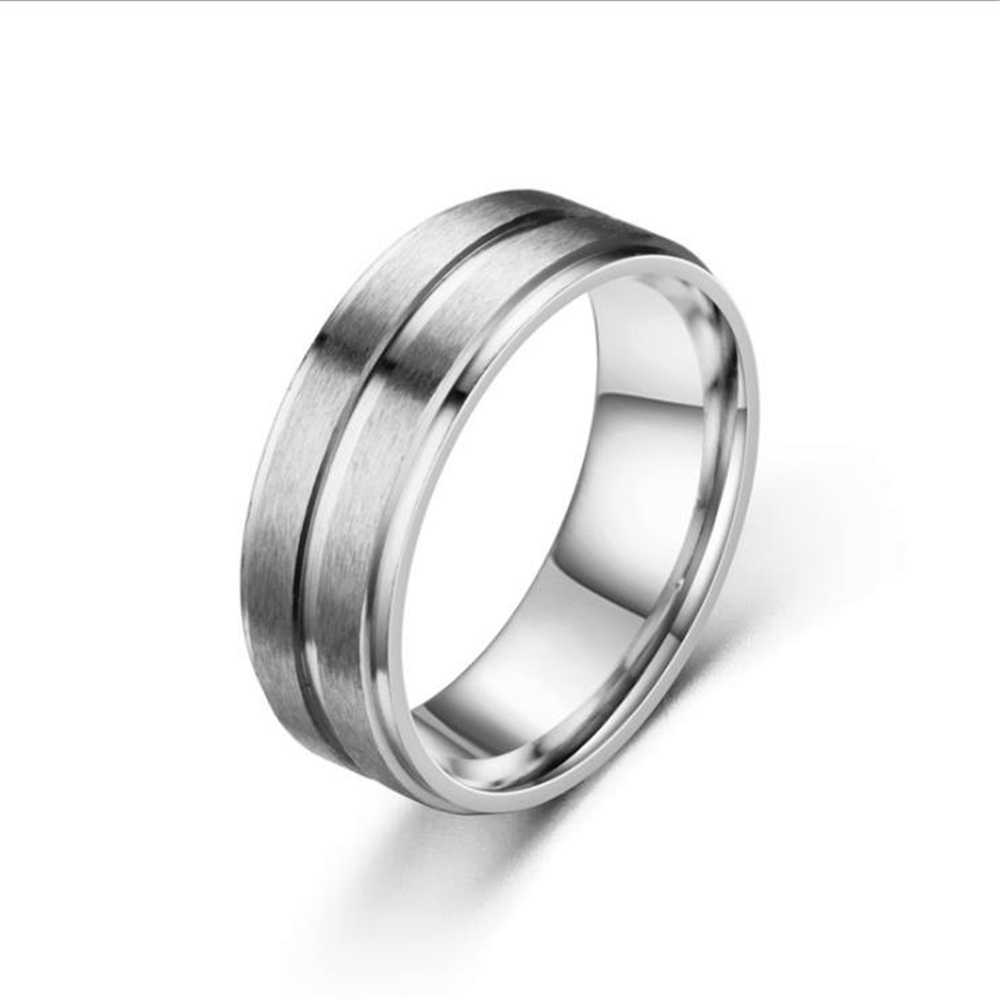 Moda 3 colores hermoso anillo de acero inoxidable 8MM anillo de acero inoxidable Superficie suave adecuado tanto para hombres como para mujeres