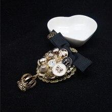 Female Antique Crown Pendant Brooch Vintage Female Fashion Broche Hijab Pins Brooches Women Lapel Pin Badge Heart Broch недорого