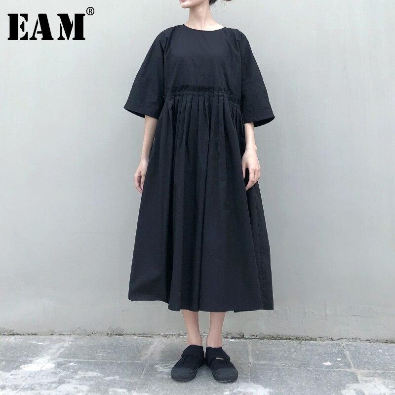 [EAM] Women Black Drawstring Pleated Big Size Dress New Round Neck Half  Sleeve Loose Fit Fashion Tide Spring Autumn 2020 1N638