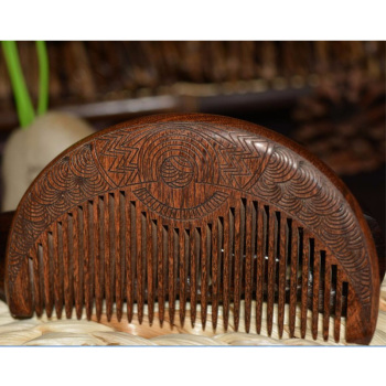 Расческа для волос и бороды (10,5x5,6x1,3 см) из сандалового дерева