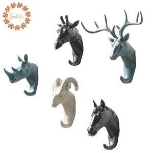 Yeni üretilen geyik gergedan fil zürafa at hayvan dekoratif kanca yaratıcı reçine Model banyo duvar kanca kat duvar kanca