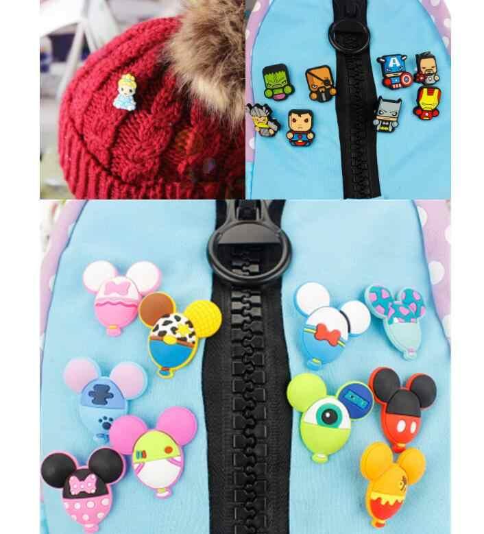 1Pcs Top dan Toko Kartun Mickey PVC Bros Lencana Ikatan Simpul Ransel Topi Sepatu Pakaian Aksesoris Bros Lucu Pin