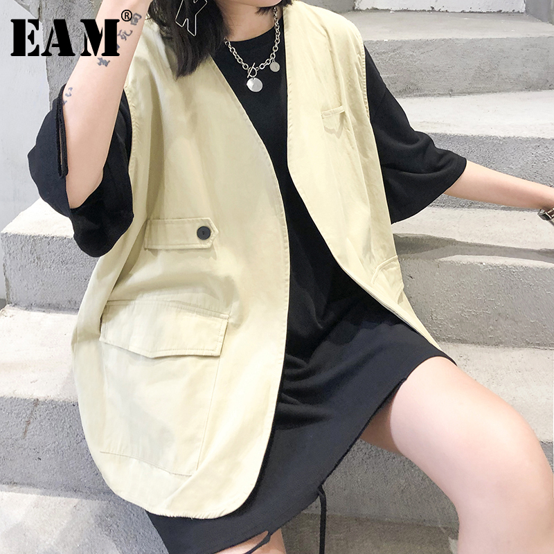 [EAM] Women Loose Fit Khaki Brief Temperament Big Size Vest New V-collar Sleeveless   Fashion Tide Spring Autumn 2020 1T363