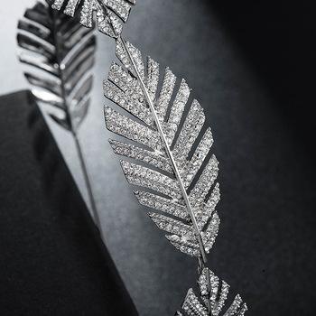 Luksusowe barokowe liście kryształowe włosy wianek dla panny młodej ozdoby na głowę dla nowożeńców Rhinestone Diadem Bride tiary ślubne akcesoria do włosów tanie i dobre opinie CN (pochodzenie) Ze stopu cynku Cyrkonia Hairbands Kobiety TRENDY Vintage Black Rhinestone Pageant Crown PLANT Baroque Luxury Crystal AB Bridal Crown Tiaras