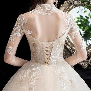 Image 5 - Moda elegancka suknia ślubna na szyję luksusowe koronki muzułmańska suknia ślubna 2020 nowy szampan długi pociąg aplikacja księżniczka Brida Robe De Mariee