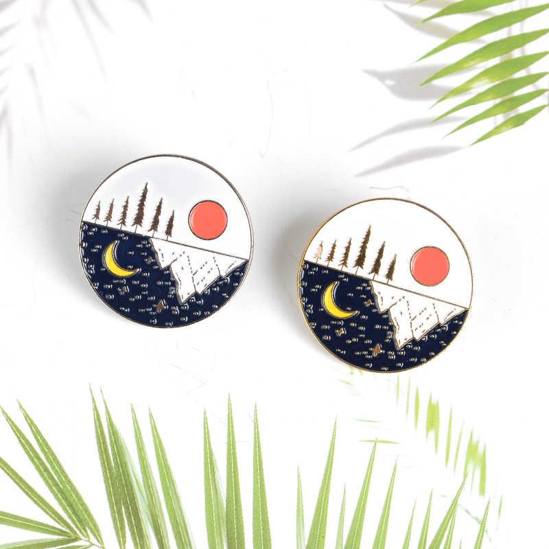 В дневное и ночное время эмали штырь Sun Moon Звездная ночь горы лес природа путешествие приключение брошь мешок Одежда нагрудные значки подарок