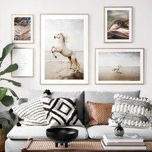 Póster escandinavo Impresión de estilo nórdico, caballo, playa, arena, Animal, cuadro sobre lienzo para pared, campo salvaje, imagen natural, decoración para sala de estar