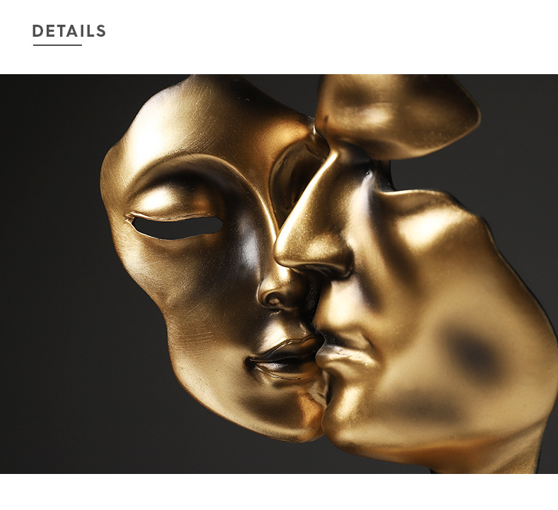 Nordic amantes de ouro beijando máscara resina