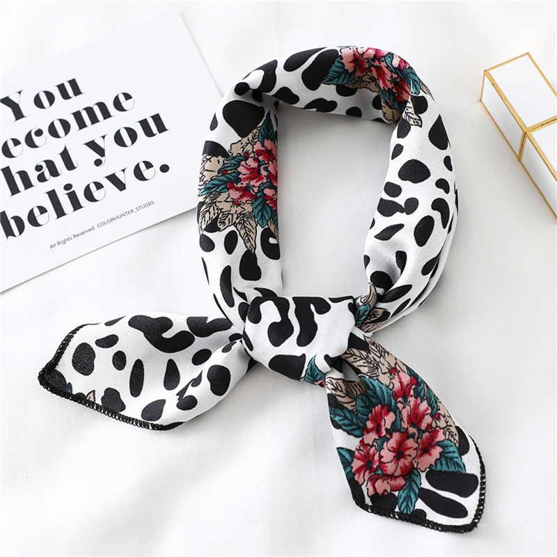2020 nouvelles femmes Foulard en soie carré Foulard dame cou cheveux foulards Design imprimé tête Foulard mode fille cheveux foulards