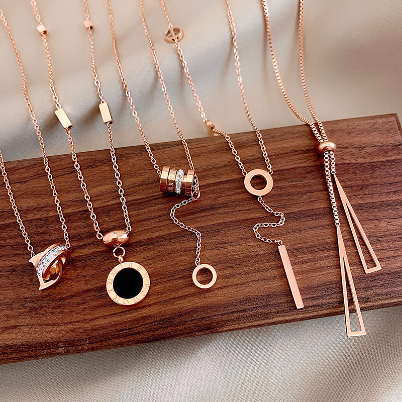 New Titanium Steel Colorless Roman Numeral Pendant Necklace Woman's Fashion Gold Clavicle Chain Luxury Korean Jewelry Neck Chain