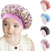 Модная детская сатиновая шапочка с цветочным рисунком для девочек, атласная ночная шапочка для сна, мягкая шапка для ухода за волосами, накидка на голову, бини, Skullies