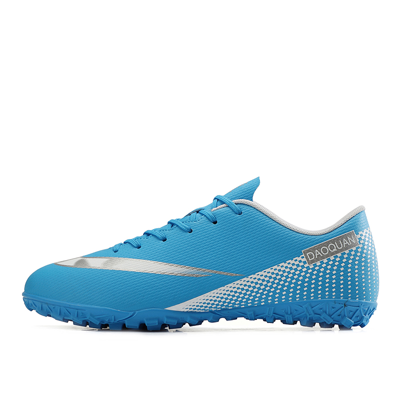 Large Size Long Spikes Soccer Shoes Outdoor Training Football Boots Sneakers Ultralight Non-Slip Sport Turf Soccer Cleats Unisex 7