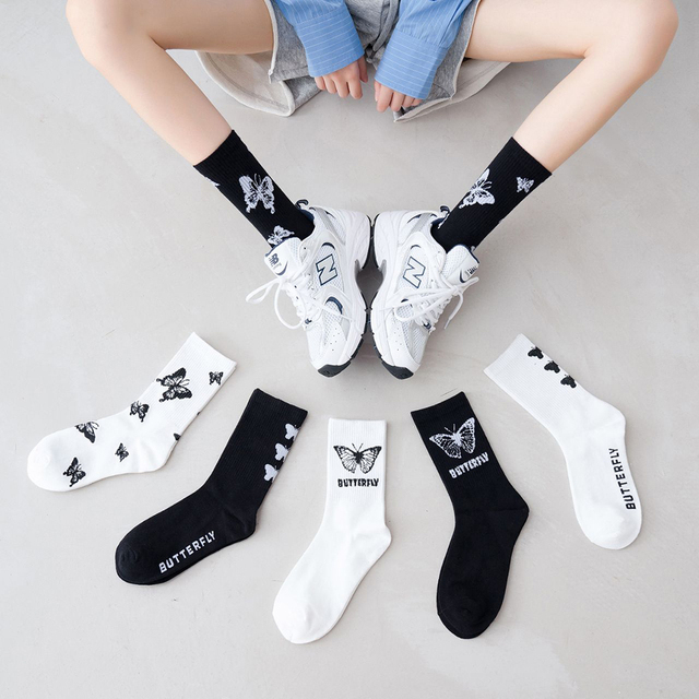 Fashion Sock Women Butterfly 100% Pure Cotton Sports Knee High Socks Calf Medium Hosiery Cool Girl non-slip Deodorize Lady 1Pair
