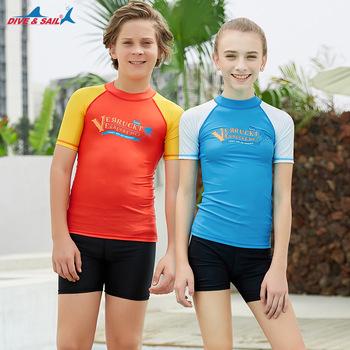 Dzieci UPF50 + z krótkim rękawem rashguardy pływać koszulki skóra Tee młodzieży chłopcy dziewczęta do surfingu i kąpieli garnitur dzieci anty-uv stroje kąpielowe J tanie i dobre opinie DIVE SAIL Stretch Spandex Poliester M179502Y Patchwork Wysypka guards Pasuje mniejszy niż zwykle proszę sprawdzić ten sklep jest dobór informacji