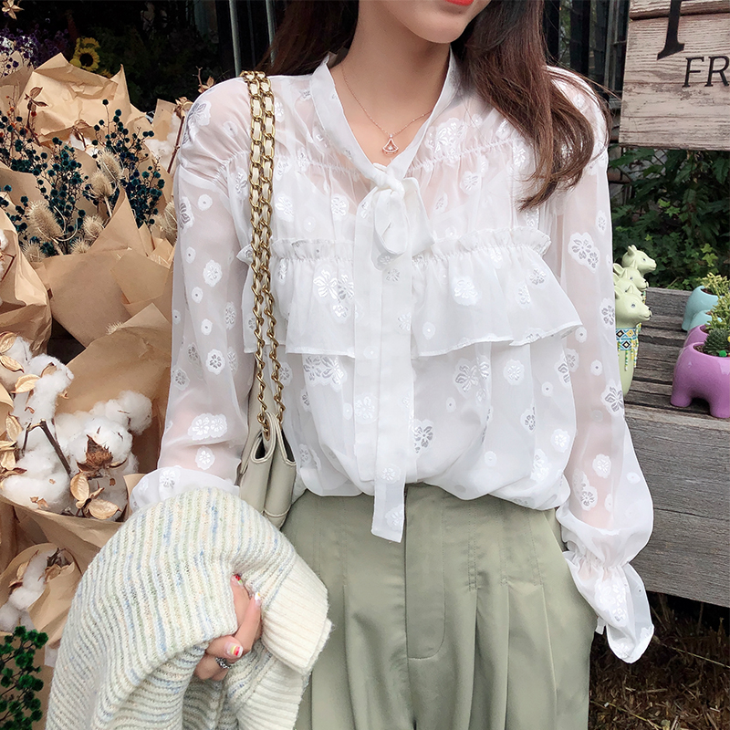 Mishow 2019 Autumn Women's Chiffon Blouse Korean Slim Fit Flare Sleeve Single-breasted Bow Printed Female Tops Shirts MX19C4462