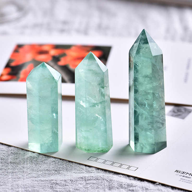 1PC Verde Naturale Fluorite di Pietra di Cristallo Punto Esagonale Colonna Minerale Ornamento Riparazione Magia Bacchetta di Guarigione Della Decorazione Della Casa