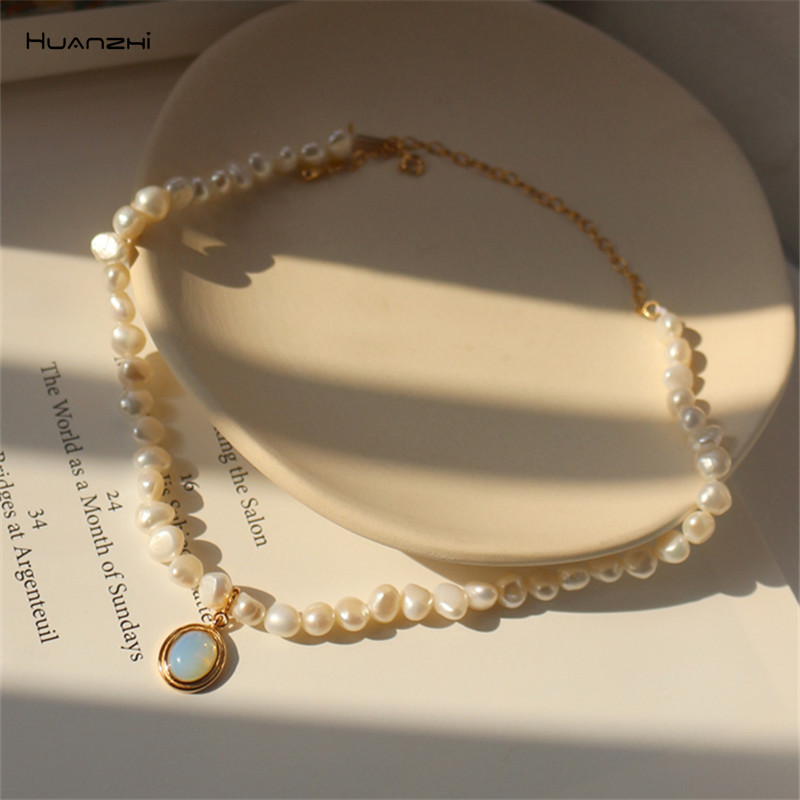 HUANZHI 2020 New Baroque Freshwater Natural Pearl Moonstone Pendant Necklace Geometric Irregular for Women Girls Party Jewelry