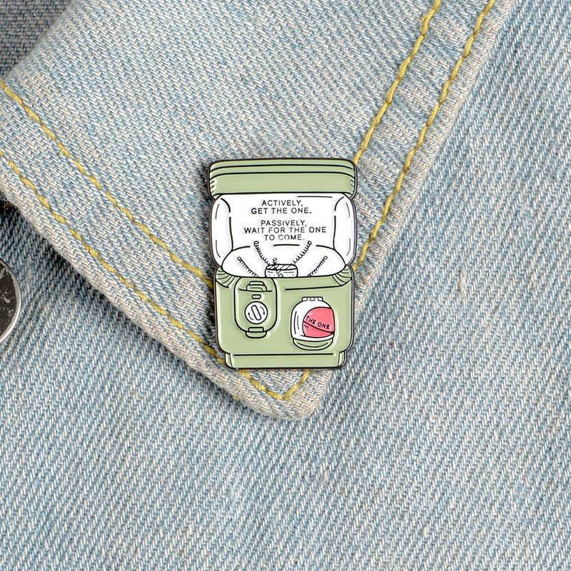 Kartun Memutar Mesin Telur Pin Klasik Lucu Enamel Bros Lencana Tas Pakaian Kerah Pin Perhiasan Hadiah untuk Anak-anak Teman