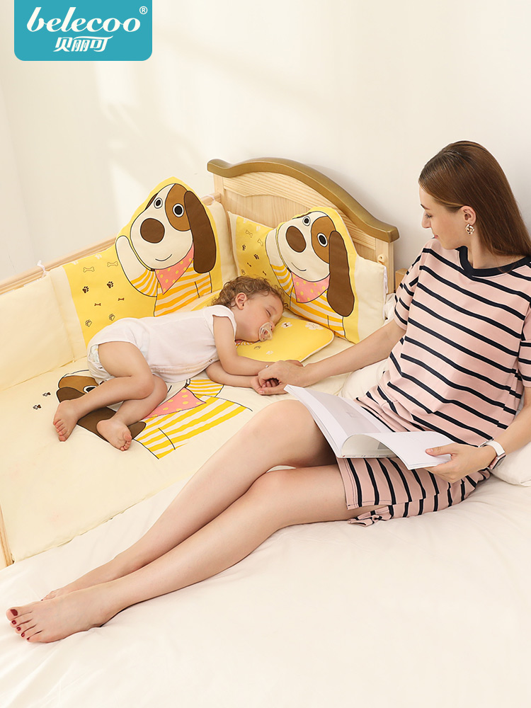 Belecoo Crib Wood Baby Bed Multi-function Cradle Newborn Stitching Bed With Mat Bedding