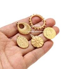 Uds de acero inoxidable corazón de oro círculo colgantes para collar Diy piezas de joyería accesorios de medalla encantos