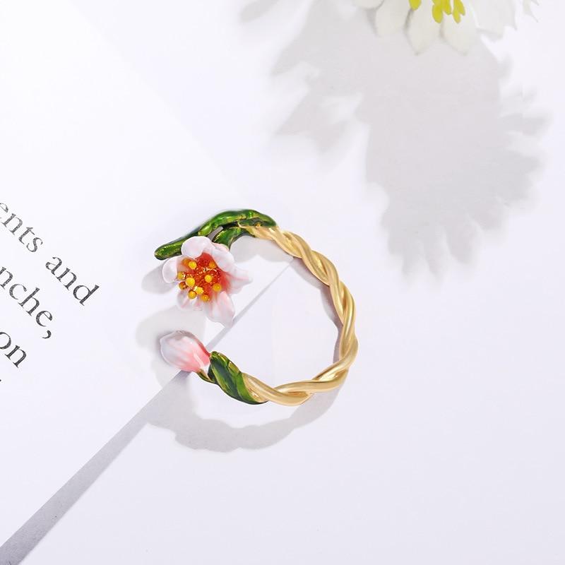 Dainty jonquille anneau fait à la main Vintage émail bijoux ouvert manchette bague mariée mignon fleur anneau or torsion bande rétro demoiselle d'honneur cadeau