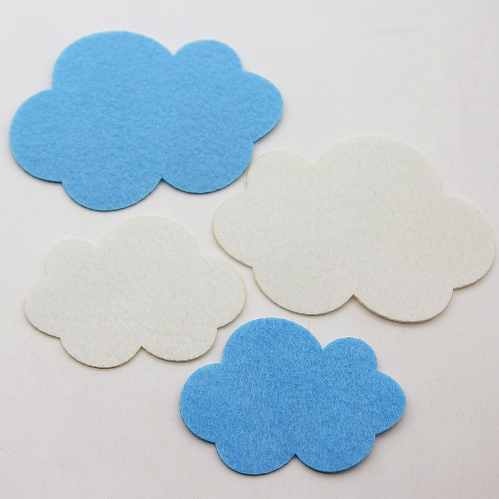 4pcs Blue/White Clouds Craft Felt Appliques Kids Room Home Kindergarten DIY Wall Stickers Nonwoven Cutting Felts Cute Decoration