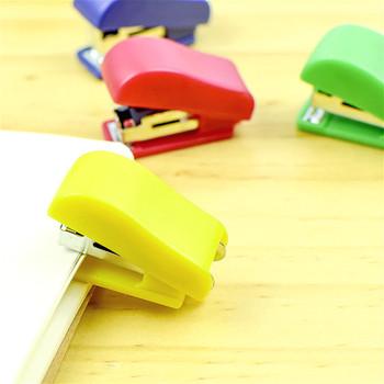 Nowy super kawaii Mini mały zszywacz przydatny Mini zszywacz zszywki zestaw biurowy wiążące artykuły papiernicze tanie i dobre opinie Mini Color Stapler Instrukcja Z tworzywa sztucznego 0 33 13 10 4 x 1 7 x 2 2cm
