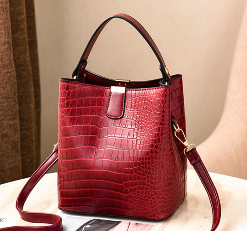 Hfce5c34d50d94d09be470b2187e33f0b1 - Women's Handbag | Retro Alligator