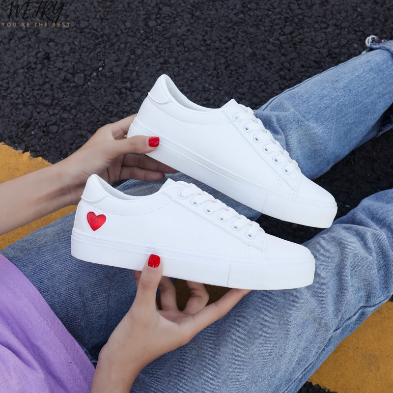 2020 Women Canvas Shoes Women Casual Flats Heart Lace-up Fashion Ladies Spring/Autumn Shoes Designer White Sneakers  Size 36-42
