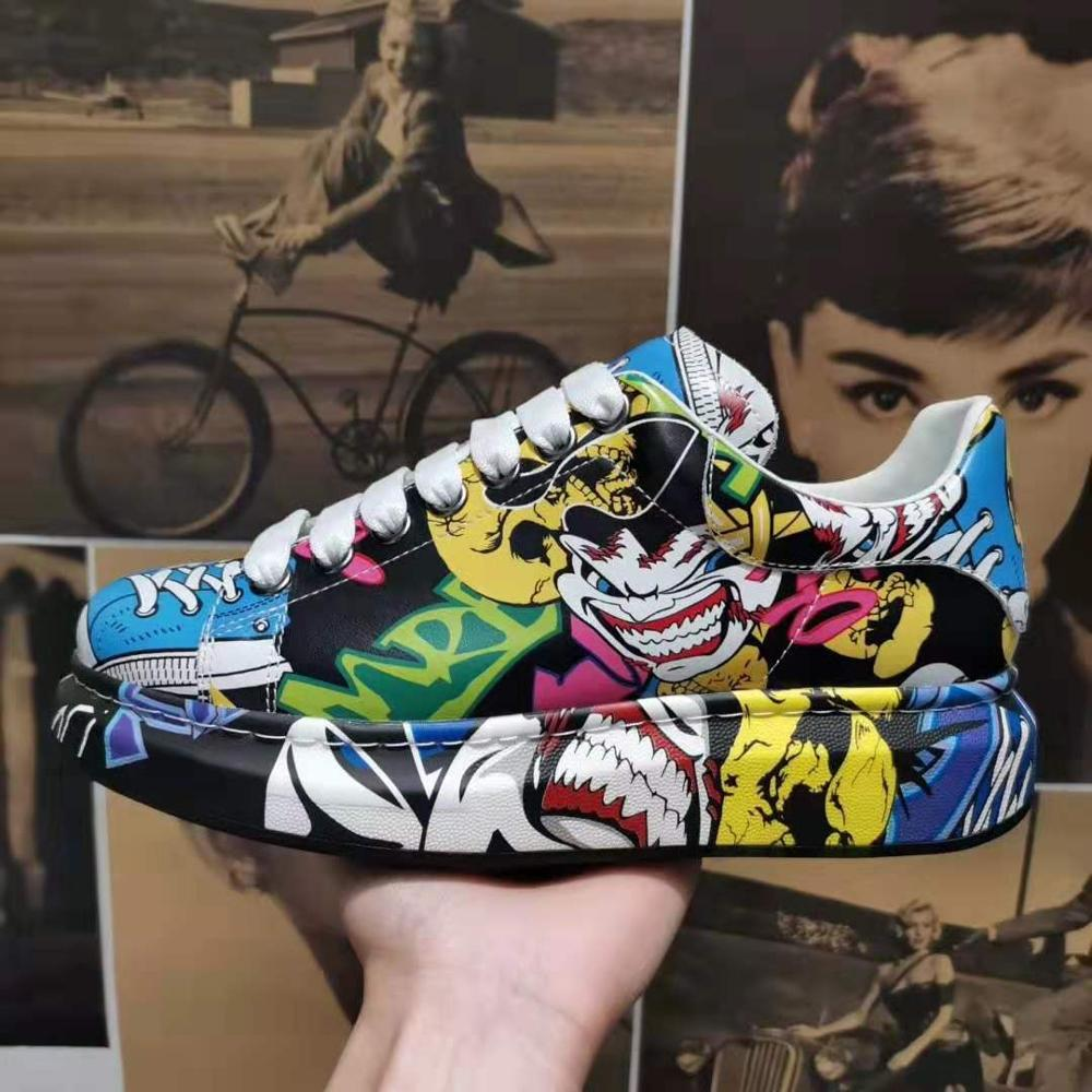 White Shoes Fashion Designer Real Leather Graffiti Painted De Luxe Sneakers Platform Heightening Men Women Casual Shoes35-45