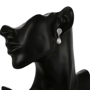 Image 4 - Luxe Vrouwelijke Dames Stone Stud Oorbellen Elegante Bruid Bruiloft Oorbellen Mode Zilveren Kleur Dubbele Parel Oorbellen Voor Vrouwen