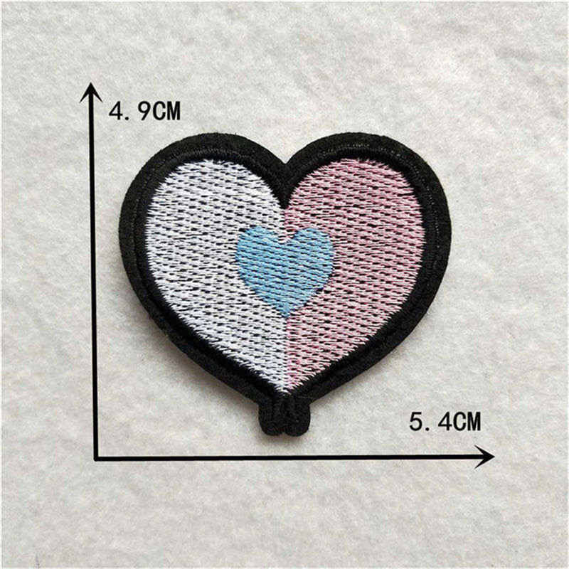 1 Pcs Red Heart Bordir Patch Tas Topi Lencana Dekorasi Besi Pada Patch untuk Pakaian Stripes Stiker Aksesoris Kartun Bordiran