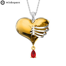 The new popular creative hollow heart-shaped pendant necklace female jewelry wholesale fashion and personality