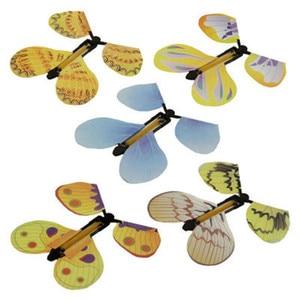 Image 4 - Lesiostress 5 stücke Magie Schmetterling fliegen Karte Spielzeug mit Leere Hände Solar Schmetterling Hochzeit Magie Requisiten Zaubertricks