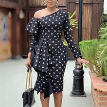 Женские черные платья с принтом в горошек открытыми плечами
