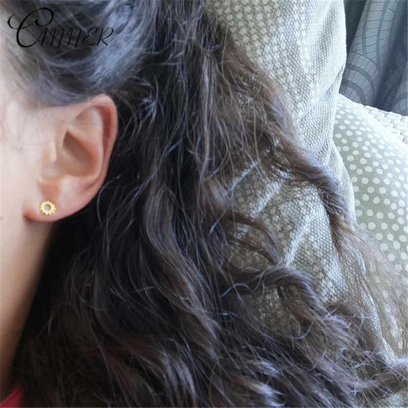 缶詰業者ミニマ小さなイヤリングシンプルな幾何スタッドピアス女性のための小型耳スタッド太陽の花 925 スターリングシルバーイヤリング