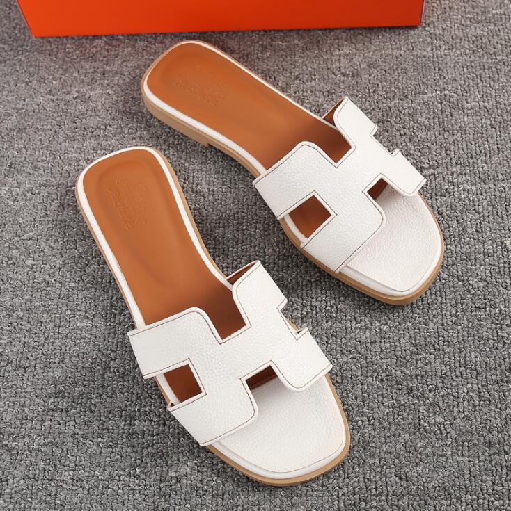 2021 летние женские модные туфли на плоской подошве с открытыми пальцами тапочки размера плюс Крытый PUH тапочки; Дизайнерские резиновые пляжн...