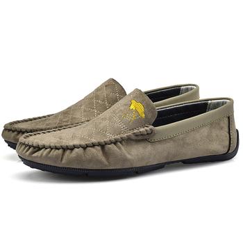 Luksusowe męskie mokasyny ślubne buty klasyczne firmowe buty zamszowe buty męskie płaskie buty wsuwane casualowe męskie mokasyny tanie i dobre opinie Thestron CN (pochodzenie) Krowa Zamszu RUBBER Slip-on Pasuje prawda na wymiar weź swój normalny rozmiar Stałe Oddychające