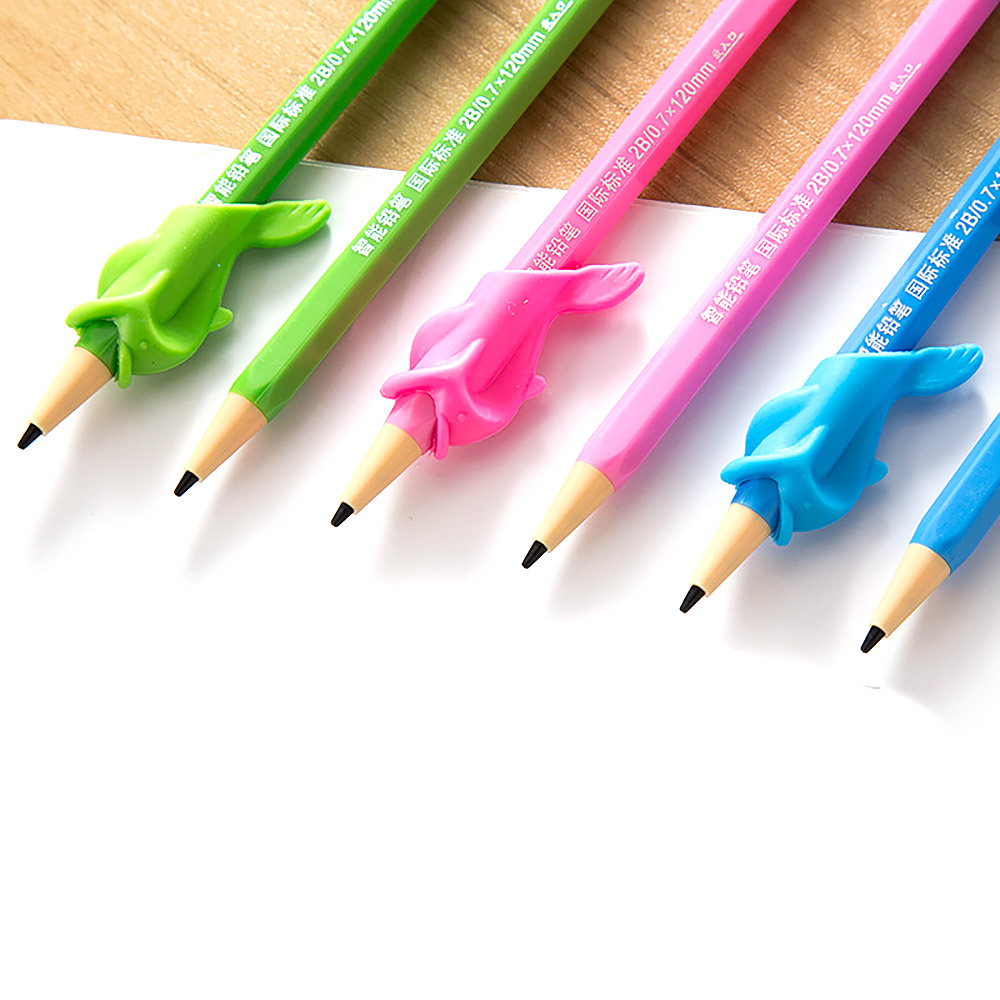 1pcs New Creative Children Pencil Holder Correction Hold Pen Writing Grip Posture Tool Fish Hold A Pen Corrector Clip Plastic