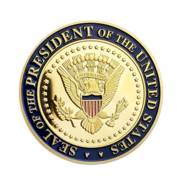 Gold Challenge Coin Commemorative America 45th President - 1pc  2