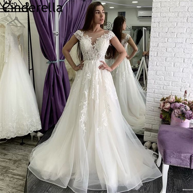 Fashion Wedding Dresses V-Neck Cap Sleeves Soft Tulle Lace Applique Wedding Dresses Covered Button Back Vestido De Noiva