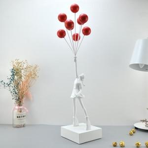 Image 4 - 고급스러운 풍선 소녀 동상 Banksy 비행 풍선 소녀 예술 조각 수 지 공예 홈 장식 크리스마스 선물 57cm