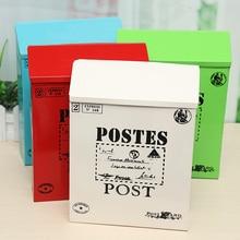 Buzón de correo de la caja de hierro de la vendimia del poste de montaje de la pared exterior con la caja de cartón de la foto del Mural de la fotografía de la ventana del café